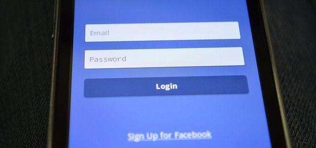 Iscriversi a Facebook da cellulare
